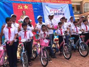 Thirty six bicycles have been donated to students of Le Van Tam elementary school, Binh Phuoc during a charitable event of CEOK35 Group